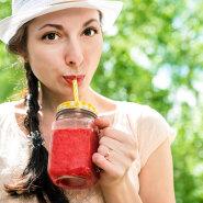 Värskelt pressitud mahladest, marjadest ja puuviljadest arvatakse olevat abi kehakaalu langetamisel. Millega seda põhjendada?
