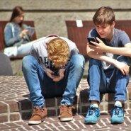 Laps on juba pool suve arvutis või telefonis passinud? Järgi neid soovitusi, et algavale nutisõltuvusele piir panna!