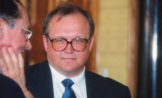Rootsi endine peaminister toodi Swedbanki päästma ja puhastama