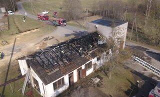 FOTOD | Pärnumaal põles katlamajaga kokku ehitatud alajaam
