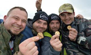 В Великобритании кладоискатели нашли гору древних монет стоимостью 173 тысячи евро