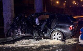 ФОТО: Водитель в состоянии алкогольного опьянения врезался в бетонный столб