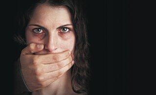 """""""Я глупая и сама виновата!"""" Жертвы домашнего насилия не в состоянии себя защитить"""