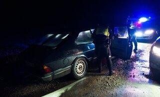 ФОТО: Пьяный водитель без прав пытался скрыться от полиции