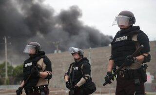ВИДЕО | В США 20 городов охвачены протестами. Власти вводят режим ЧП, комендантский час и Нацгвардию
