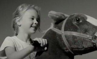 """""""Мы ржем, как маардуские плюшевые лошади"""" — киноблогер рассказал о фильме """"Праздник"""""""