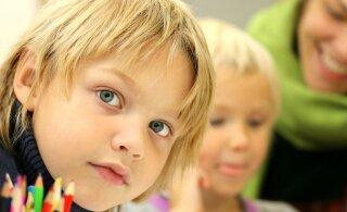 Atko jätkab laste vintsutamist | Keda vanemad viia ei saanud, jäid nõutult bussi ootama