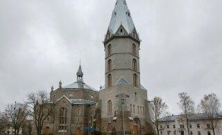 Narva Aleksandri kirik on arvatust halvemas seisukorras