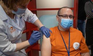 Аркадий Попов: вакцина не вызывает риска заболевания. Она не содержит ни частиц живого вируса, ни частиц убитого вируса