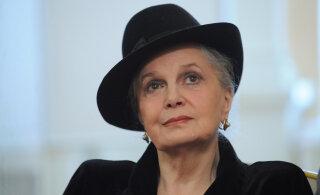Парализованная Элина Быстрицкая хранила много тайн: измены мужей, разводы и имена любовников