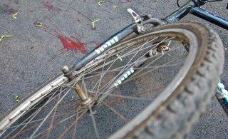 Järva-Jaanis sõitis jalgrattur veokile otsa
