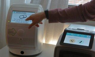 Robot annab vanainimesele õige ravimi ja käsib alla ka neelata