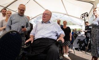 KLÕPS   Savisaare sünnipäeva väisas ka aastaid avalikkuse tähelepanu vältinud külaline