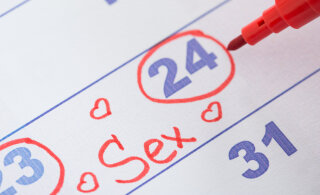 Сколько нужно секса в каждом возрасте: мнение науки