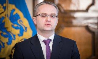 Riigikontrolör Janar Holm: valitsus on pistnud käe sügavale töötajate ja tööandjate hoiupõrsasse