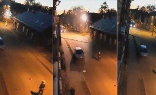 ВИДЕО | Вчера вечером в Тарту в результате аварии загорелся столб линии электропередачи