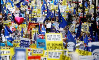 "ФОТО и ВИДЕО: Сотни тысяч противников ""Брекзита"" съехались в Лондон и требуют повторного референдума"