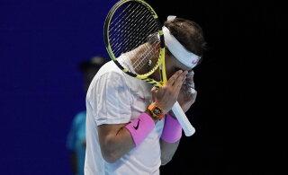 Matšpalli päästnud Rafael Nadal sai aastalõputurniiril väga raske võidu