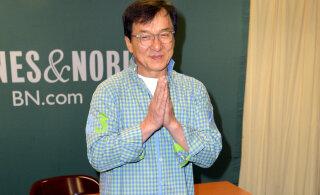 Джеки Чан извинился перед фанатами по-русски