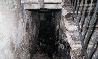 ФОТО и ВИДЕО | В пожаре в многоквартирном доме погиб один человек и пострадали семь: причиной трагедии мог стать захламленный подвал