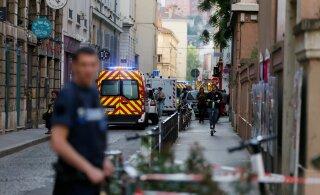 ФОТО и ВИДЕО: В центре Лиона во Франции произошел взрыв, есть раненые