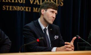 """Martin Helme tahab """"kellukeste ja viledega"""" planeeritud piiriehituse rahastamist kärpida"""