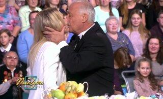 VAATA | Tallinnast pärit lauljatar pääses ülipopulaarse vene telemängu finaali, saatejuht üllatas abielunaist mopsuva musiga!