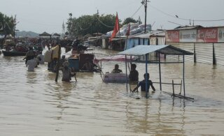 Более тысячи человек погибли из-за наводнений в Индии