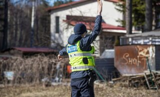 В столкновении грузовика и легковушки на шоссе Таллинн-Нарва пострадали два человека