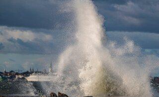 ГЛАВНОЕ ЗА ДЕНЬ: Надвигающийся шторм, мифы о прописке и угрозы сегрегации