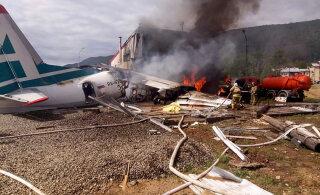 ВИДЕО | В Бурятии пассажирский самолет совершил жесткую посадку и загорелся: двое погибших, десятки раненых