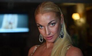 Анастасия Волочкова поделилась архивными фото