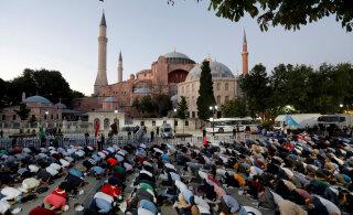 Богослужения в мечети Айя-София начнутся 24 июля