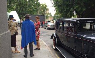 ФОТО: Смотрите, какие ретро-автомобили участвуют в съемках шпионского фильма
