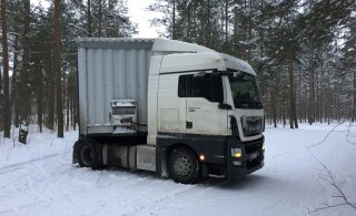 ФОТО и ВИДЕО | Литовский грузовик испортил лыжню в лесу Харку — проехал по ней 1,7 км и застрял. Водитель винит навигатор