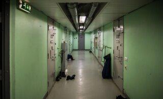 Пытавшийся убежать от полиции 19-летний пьяный водитель без прав проведет за решеткой 24 дня