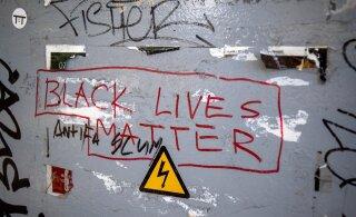 ФОТО | Улицы Таллинна исписаны граффити в поддержку массовых протестов в США