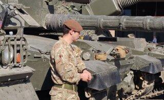 ГАЛЕРЕЯ: День ветеранов в Нарве отметили показом военной техники