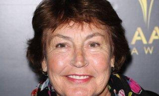 """Suri feministliku hümni """"I am Woman"""" laulja Helen Reddy"""