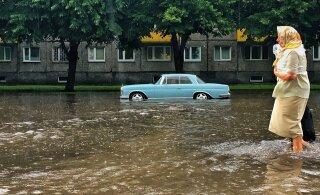 VIDEOD JA FOTOD | Tallinna tabanud äikesetormis jäid paljud tänavad vee alla, vesi tungis ka Kristiine keskusesse