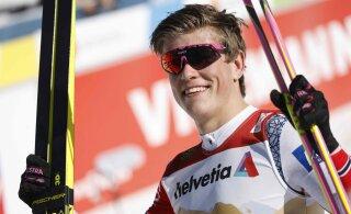 Норвежцы одержали тройную победу, Большунов остался без медали