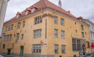 Robert Sarvelt nõudekirja saanud linnamuuseumi töötajad püüavad töörahu taastada linna usaldusisikuga