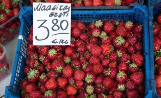 DELFI FOTOD | Vaata, milliste hindadega müüakse turul Eesti maasikat ja muid kodumaiseid saaduseid