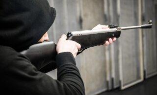 В Пыхья-Таллинне людям угрожали похожими на оружие предметами, одну женщину ударили