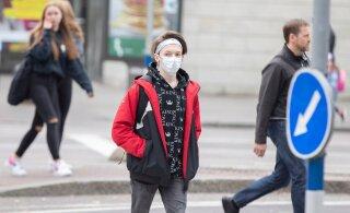 Маски — во всех общественных местах: правительство Латвии ввело новые ограничения