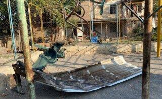 DELFI В НАГОРНОМ КАРАБАХЕ | Мартакерт ежедневно подвергается бомбежке, жители города держат в домах автоматы