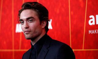 Koroona seljatatud! Robert Pattinson naasis võtteplatsile