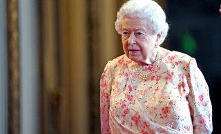 Елизавета II не пустила Меган Маркл и принца Гарри в королевский дворец
