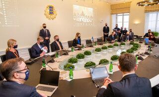Valitsuse liikmed said ülevaate võitlusest koroonapuhanguga. Võimalike uute piirangute arutelu jätkub neljapäeval