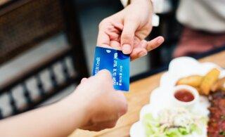 Внимание - опасность! 8 мест, где не стоит расплачиваться банковской картой